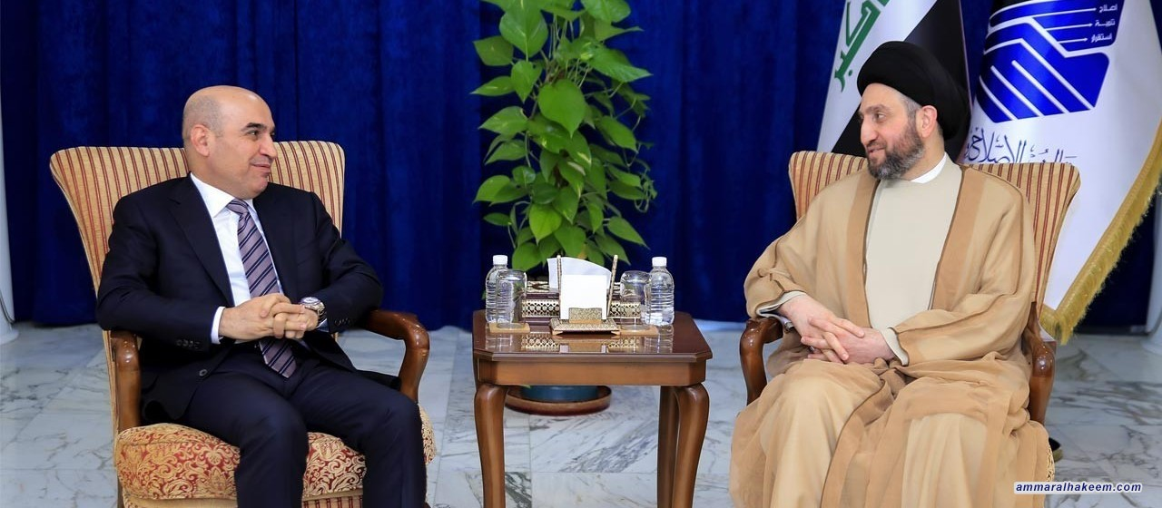 Sayyid Ammar al-Hakim to Minister of Construction stresses the need to complete postponed projects and solve housing crisis