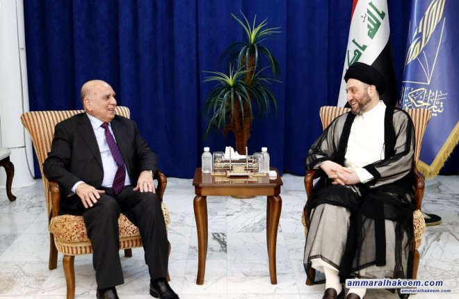 Sayyid Ammar Al-Hakim with Dr. Fouad Hussein to discuss the fiscal policy and budget development