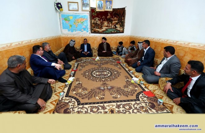 Sayyid Ammar al-Hakim visits a number of martyrs' families in Muthanna province