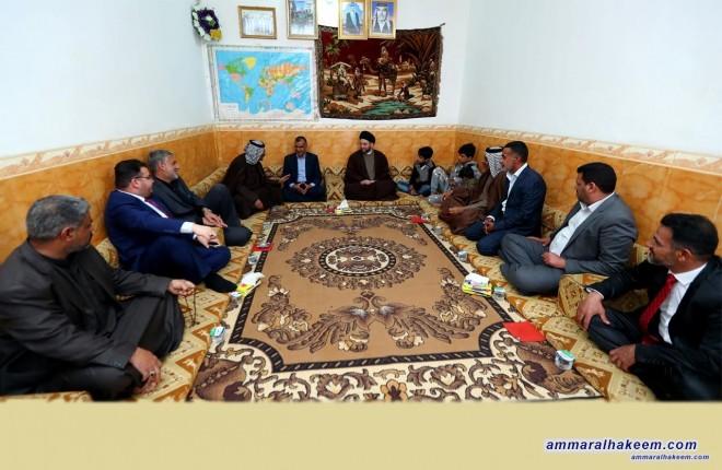 السيد عمار الحكيم يتفقد عددا من عوائل الشهداء في محافظة المثنى