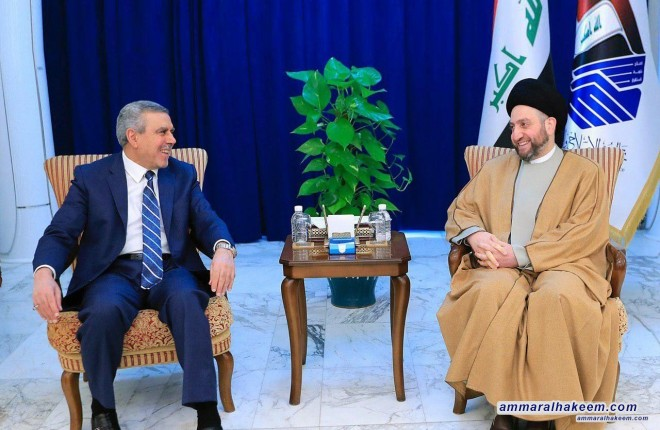 Sayyid Ammar al-Hakim receives the delegation of the Dawa Party, headed by Khudair Khuzaie, to discuss latest developments in the political situation in Iraq