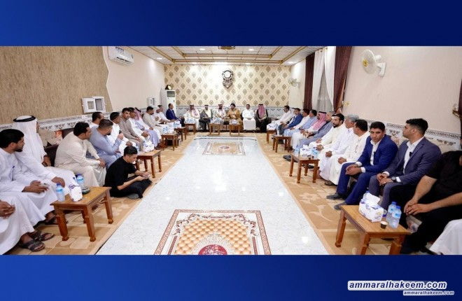 Sayyid Ammar Al-Hakeem visits the guest-place of Sheik Kamel Albu To'ma Al-Jubouri and meets several sheiks and dignitaries from Albu To'ma tribe.